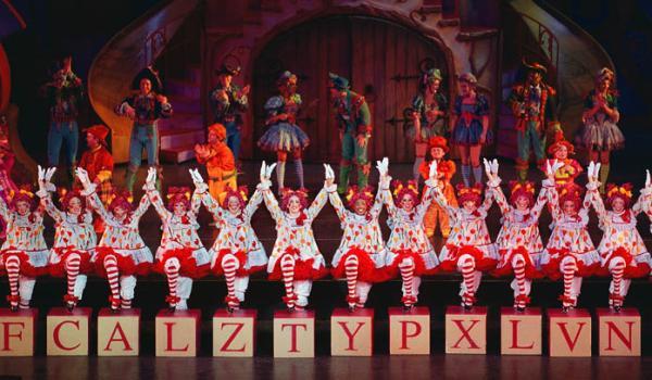 Rockettes Christmas Tour.Dance Student Balances Studies Career As Rockette Point